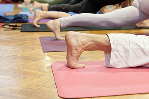Practicing Yoga May Benefit the Feet